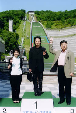 玉井さん、チェロの河野文昭さんと。ちなみにこのトリオの名前も募集中です。